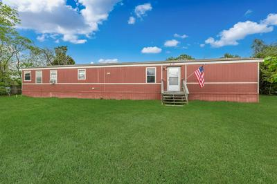 617 GOLDEN BEND DR, Highlands, TX 77562 - Photo 1