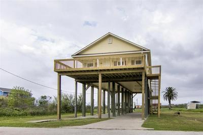 1060 N FAGGARD'S LN, GILCHRIST, TX 77617 - Photo 2