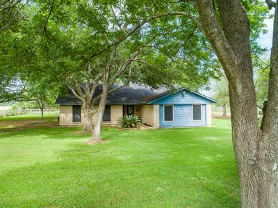 1901 COUNTY ROAD 152, ALVIN, TX 77511 - Photo 2