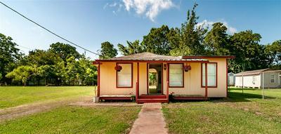 1515 W LOBITT ST, Alvin, TX 77511 - Photo 1