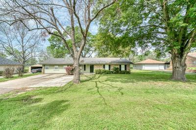 304 HEATH AVE, Madisonville, TX 77864 - Photo 1