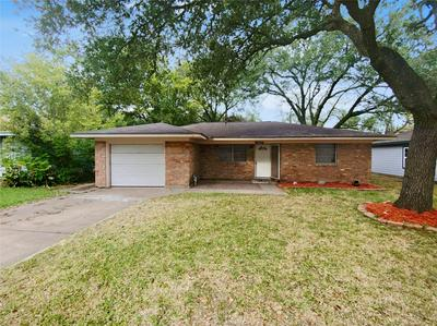 2209 LINWOOD LN, Bay City, TX 77414 - Photo 1