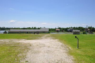 300 W CANAL RD, HIGHLANDS, TX 77562 - Photo 1