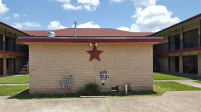 2200 S GORDON ST, ALVIN, TX 77511 - Photo 1