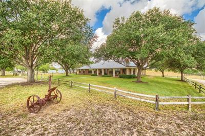 9285 COUNTY ROAD 401, Floresville, TX 78114 - Photo 1