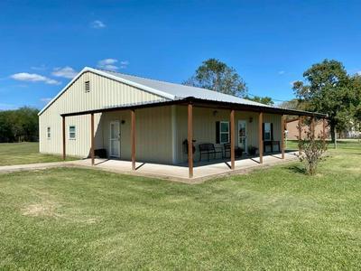495 COUNTY ROAD 404, Bay City, TX 77414 - Photo 2