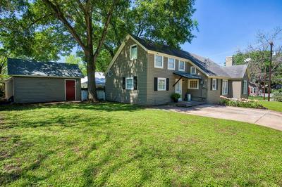 106 E TOM GREEN ST, BRENHAM, TX 77833 - Photo 2