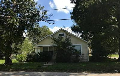 503 ANDERSON ST, Sealy, TX 77474 - Photo 1