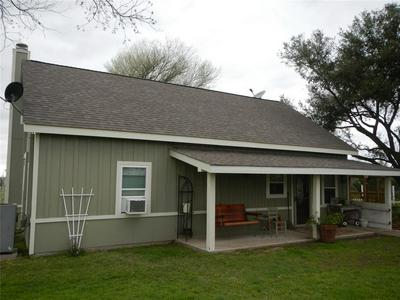 307 GREASY BND, SMITHVILLE, TX 78957 - Photo 2