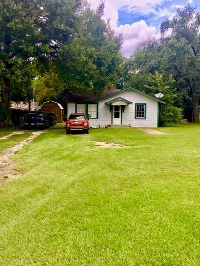 2303 JEFFERSON DR, Liberty, TX 77575 - Photo 1