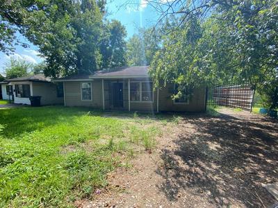 5210 ANZIO RD, Houston, TX 77033 - Photo 1