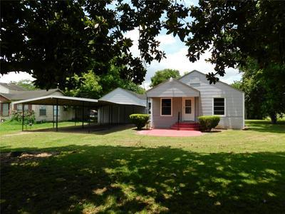 403 ROXANNA ST, Boling, TX 77420 - Photo 2