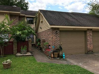 2807 ELM GROVE CT, Houston, TX 77339 - Photo 1
