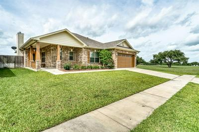 119 BOULDER RIDGE DR, Cuero, TX 77954 - Photo 2