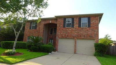 10011 HIDDEN FALLS DR, Pearland, TX 77584 - Photo 2
