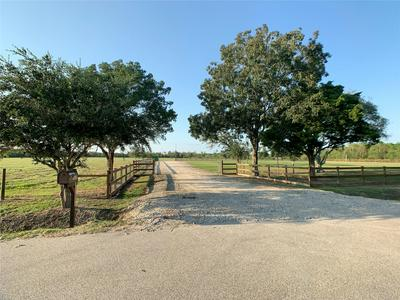 9020 COUNTY ROAD 196, Liverpool, TX 77577 - Photo 1
