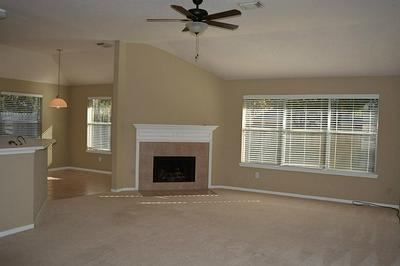 1606 BLOSSOM CREEK CT, Kingwood, TX 77339 - Photo 2