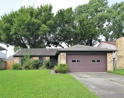 15826 PIPERS VIEW DR, Houston, TX 77598 - Photo 2