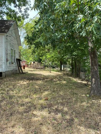 616 HEATH ST, Normangee, TX 77871 - Photo 2