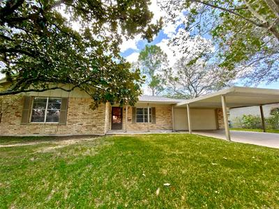 2916 ENCINO AVE, Bay City, TX 77414 - Photo 1