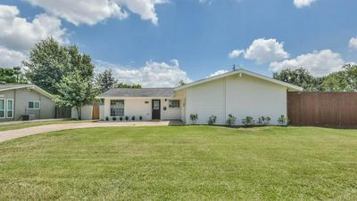3215 ROCKYRIDGE DR, Houston, TX 77063 - Photo 1