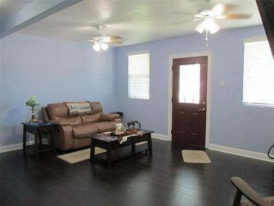 8908 ROBINSON RD, Hitchcock, TX 77563 - Photo 2