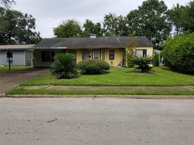 5619 WILLOW GLEN DR, Houston, TX 77033 - Photo 1