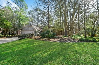 2 LUSH MEADOW PL, The Woodlands, TX 77381 - Photo 1