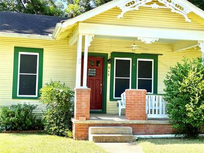 511 CHARLES LEWIS ST, Brenham, TX 77833 - Photo 1