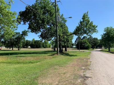 6422 GRESHAM ST, Wallis, TX 77485 - Photo 2