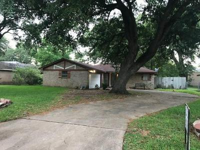 312 CRESTWOOD DR STREET, Clute, TX 77531 - Photo 2