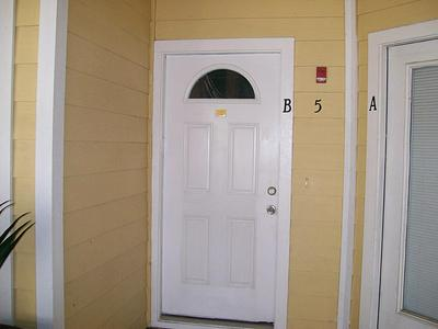811 BRADFORD AVE APT 5B, Kemah, TX 77565 - Photo 1