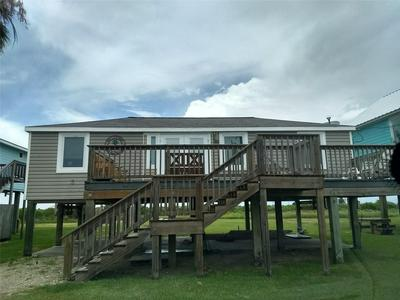 111 BEACH FRONT DR, Matagorda, TX 77457 - Photo 1