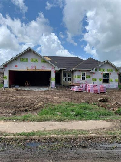 407 N HOLLY ST, Sweeny, TX 77480 - Photo 2