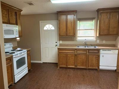 458 CARLTON ST, Brazoria, TX 77422 - Photo 2