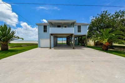 1554 W BAYSHORE DR, Palacios, TX 77465 - Photo 1