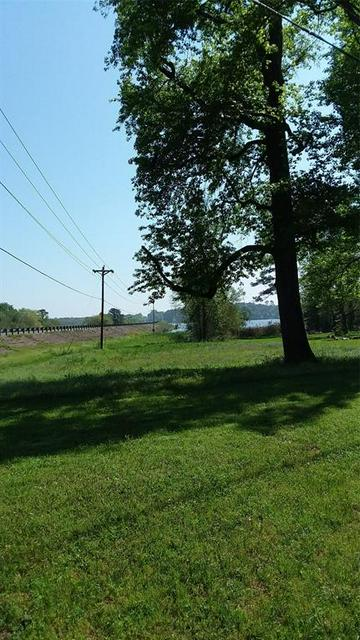 129 LAKESHORE DR, ONALASKA, TX 77360 - Photo 2