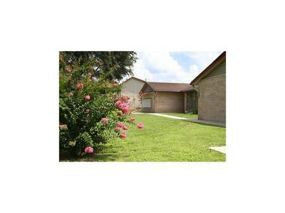 1301 S TYLER ST, Beeville, TX 78102 - Photo 1
