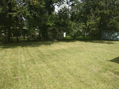 5619 WILLOW GLEN DR, Houston, TX 77033 - Photo 2