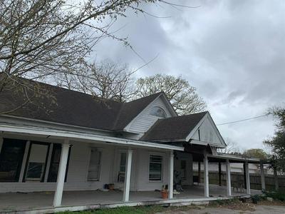405 MARKET STREET, Louise, TX 77455 - Photo 1