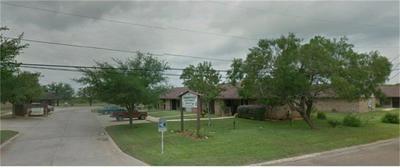 711 N SIGRID AVE, Hebbronville, TX 78361 - Photo 1
