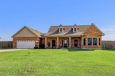 2204 SETTLERS WAY DR, Sealy, TX 77474 - Photo 2