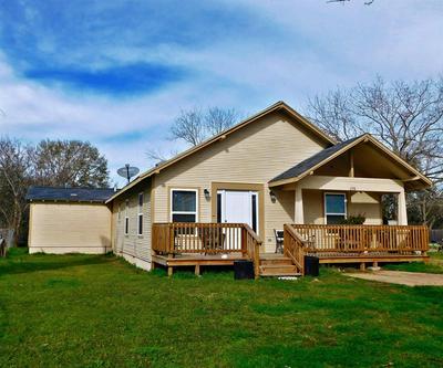 228 SAN FELIPE RD, Sealy, TX 77474 - Photo 1