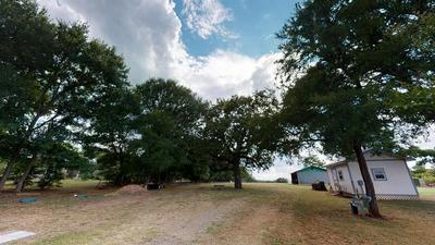 1173 MAIN AVE, Lincoln, TX 78948 - Photo 2