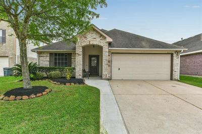 6034 SANDY CREEK DR, BAYTOWN, TX 77523 - Photo 1