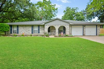 107 MIMOSA ST, Clute, TX 77531 - Photo 1