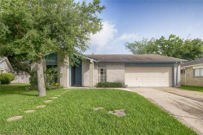 475 SEAFOAM RD, Houston, TX 77598 - Photo 1