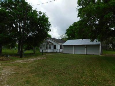 505 4TH ST, Louise, TX 77455 - Photo 1