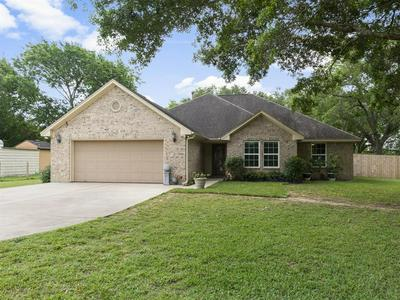9109 KING DR, Manvel, TX 77578 - Photo 2