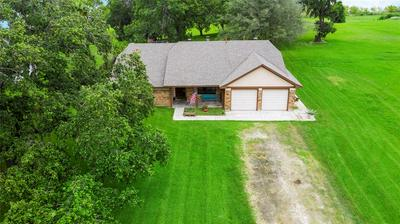 405 S MAIN ST, Anahuac, TX 77514 - Photo 1